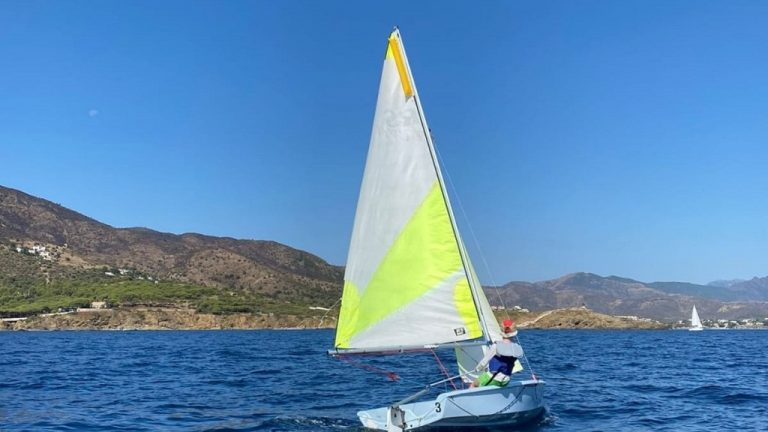 Escola de vela Club Nàutic Port de la Selva